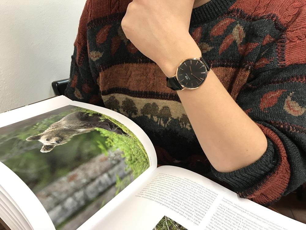 腕時計ブラック