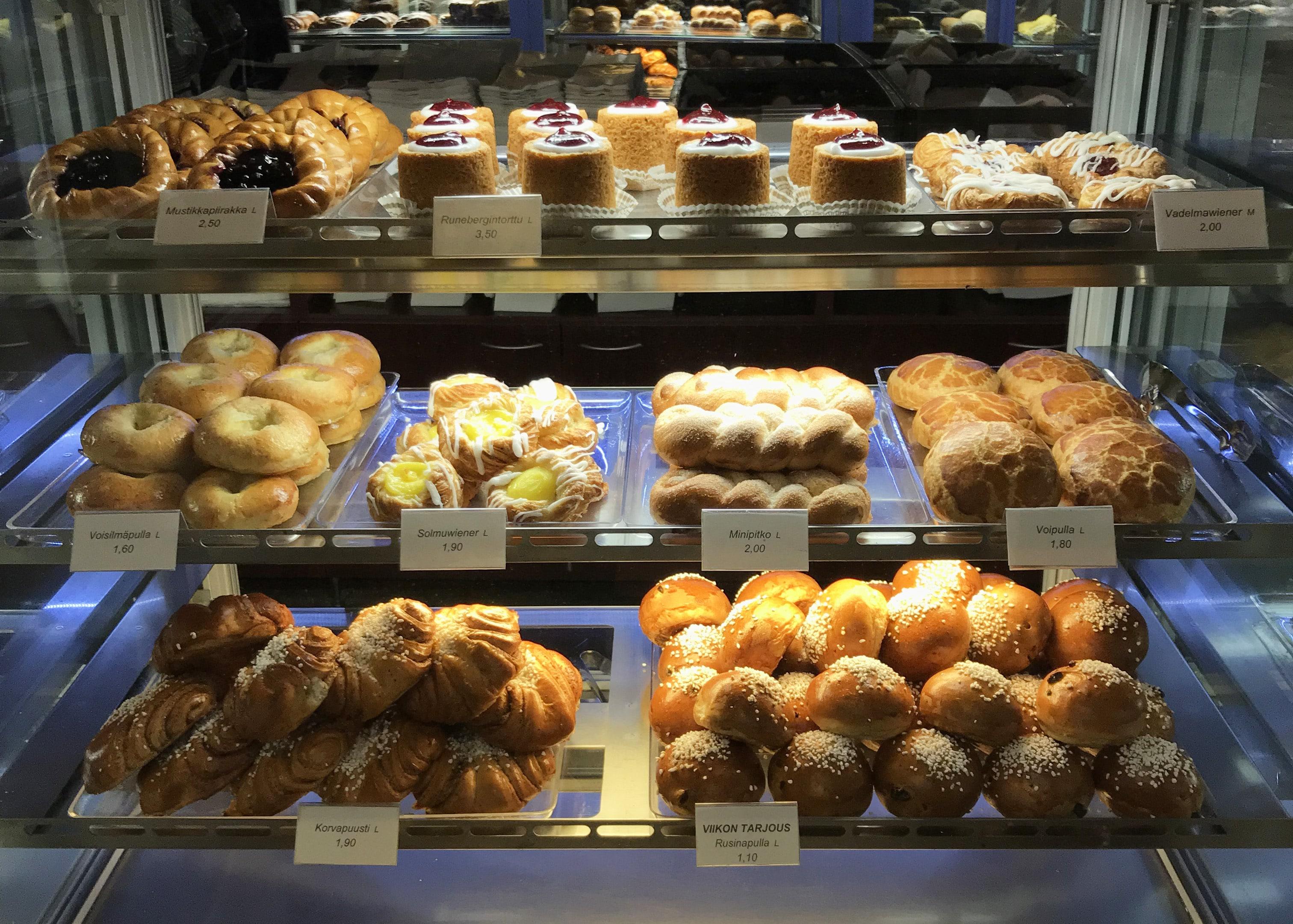 エロマンガカフェ パン屋