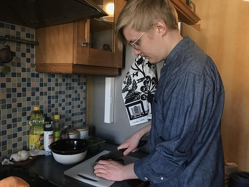 北欧旦那の男料理、我が家はこんな食事をしています。フィンランド人の作るヘラジカシチューの作り方
