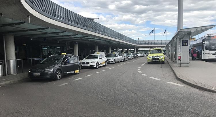 ヘルシンキ空港 タクシー